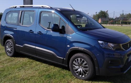 Peugeot Rifter Long Allure décaissé pour le transport d'un fauteuil roulant